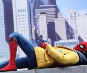 Еще школьник, но уже супергерой! Новая фигурка Человека-паука