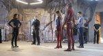 Супергерл и Флэш обнимаются в серии-кроссовере - Изображение 8