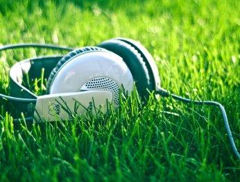 10 летних песен, которые скрасят ваш август