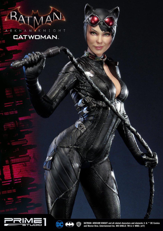 Статуя женщины, которой удалось покорить сердце Бэтмена. - Изображение 1