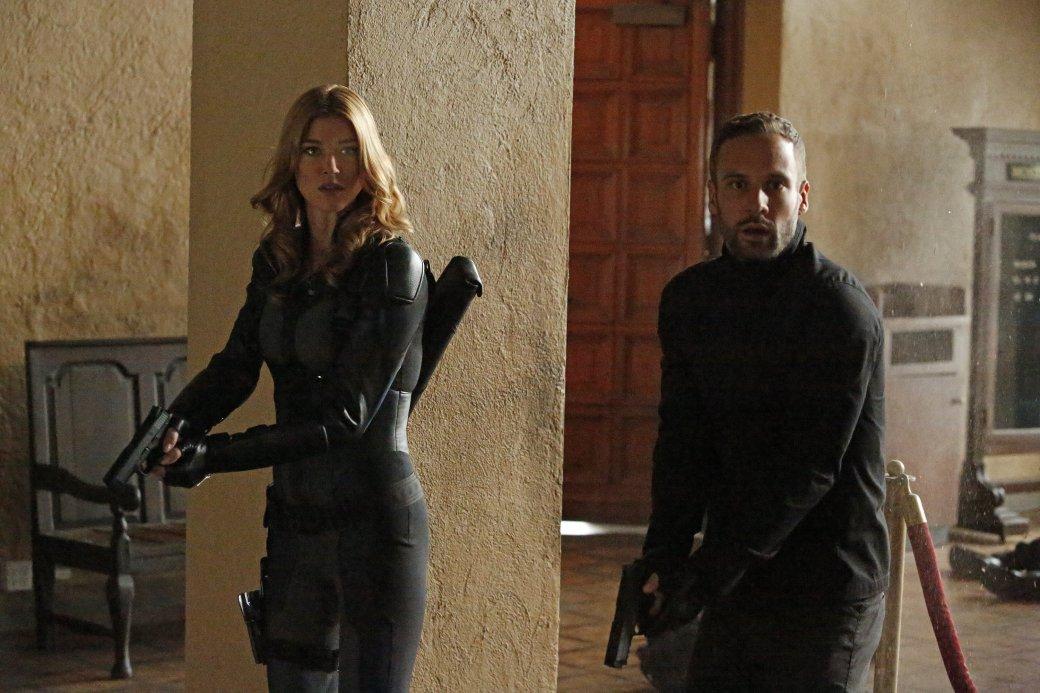 Хантер и Пересмешница остались без друзей в спин-оффе «Агентов Щ.И.Т.» - Изображение 1
