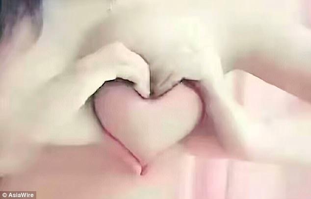 [NSFW] Грудь вформе сердца: безумный флешмоб откитайских девушек. - Изображение 1