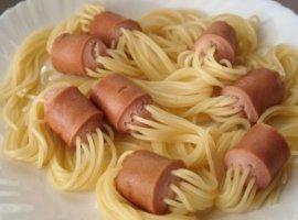 «Россия, вперед»: спагетти всосисках покорили топового шеф-повара мира