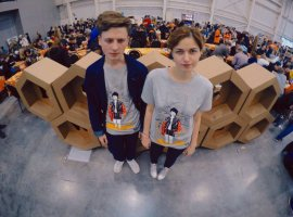 На Comic Con можно купить футболку по мотивам песни Оксимирона