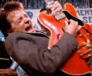 Rock Band 4 выйдет 6 октября, на гитаре можно жечь как Марти Макфлай