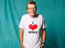 Стивен Кинг стал самым популярным автором в России. Он опередил Дарью Донцову и Рэя Брэдбери
