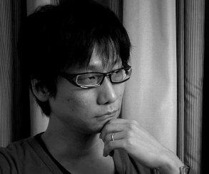 Хидео Кодзима жалуется наодиночество вTwitter. Инеставит пробелы после точек!