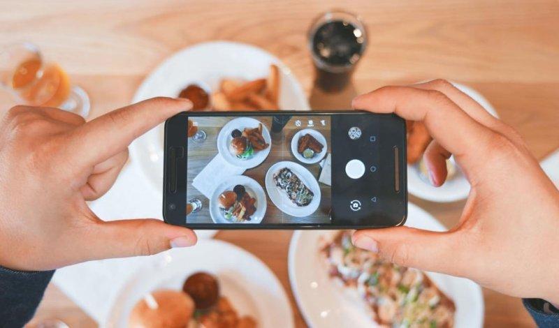 В российском Instagram теперь можно заказать еду