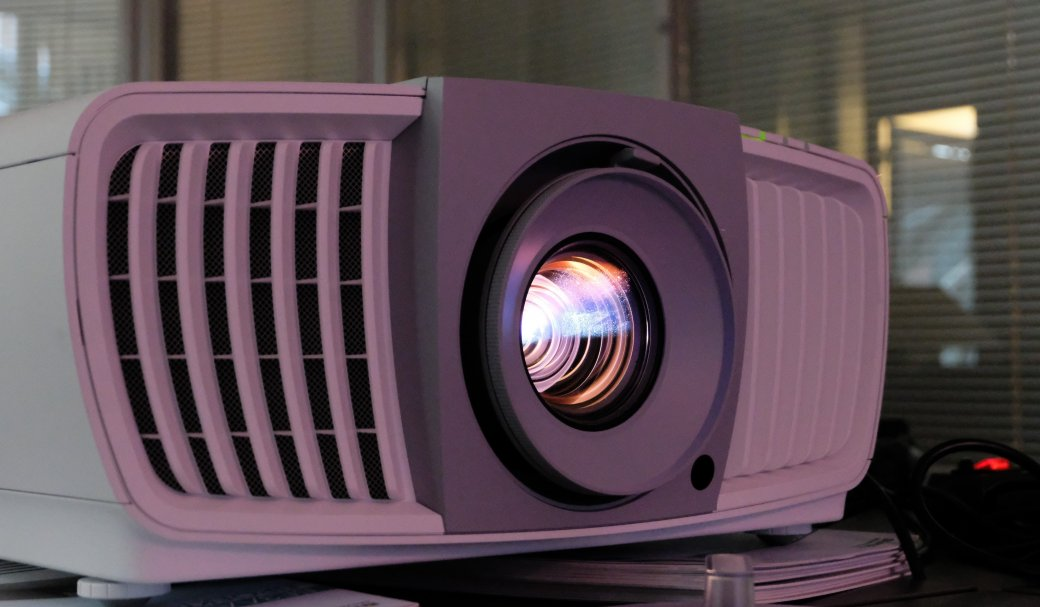 Кому изачем нужен 4К UHD проектор заполмиллиона рублей?. - Изображение 3