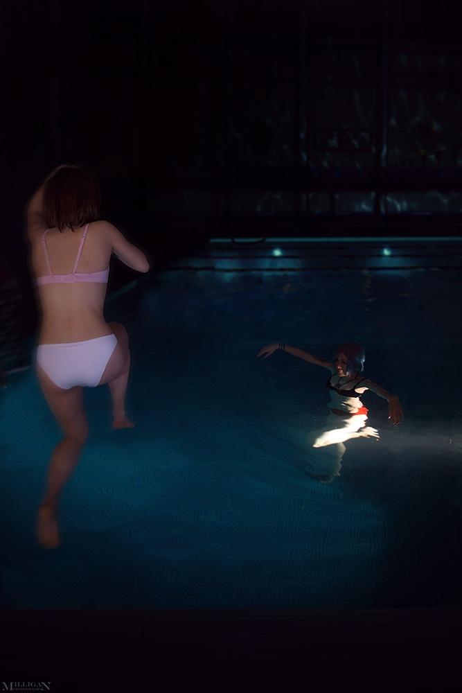 Горячий косплей веселящихся в бассейне Хлои и Макс из Life is Strange | Канобу - Изображение 1699