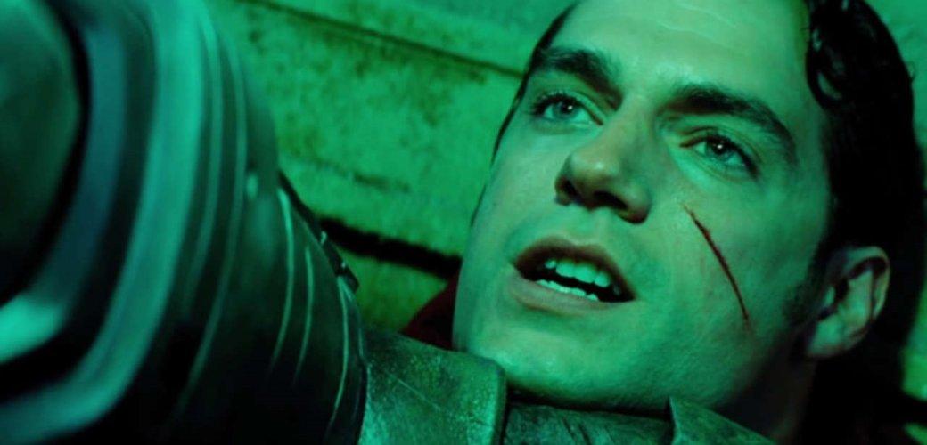 Зак Снайдер защищает самую противоречивую сцену из«Бэтмен против Супермена» | Канобу - Изображение 6763