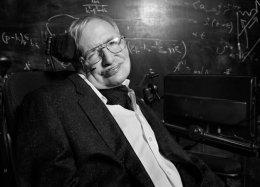 Умер британский физик Стивен Хокинг. Ему было 76 лет