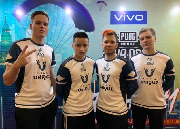 Игроки Team Unique—YASHA, ROGE, KITSUNE, OldBoy