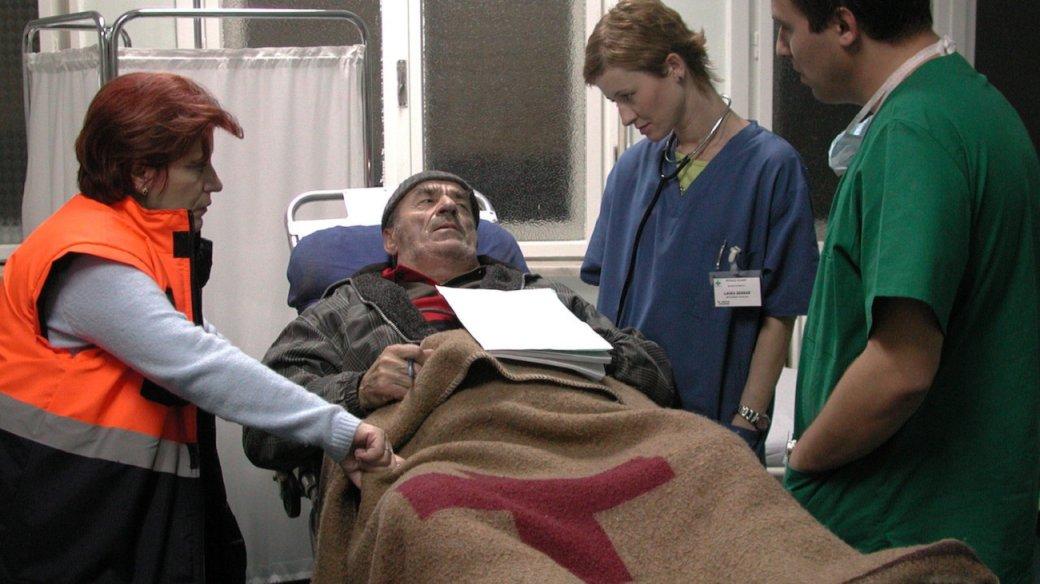 15 лет «Смерти господина Лазареску». Почему вам стоит посмотреть один из лучших румынских фильмов | Канобу